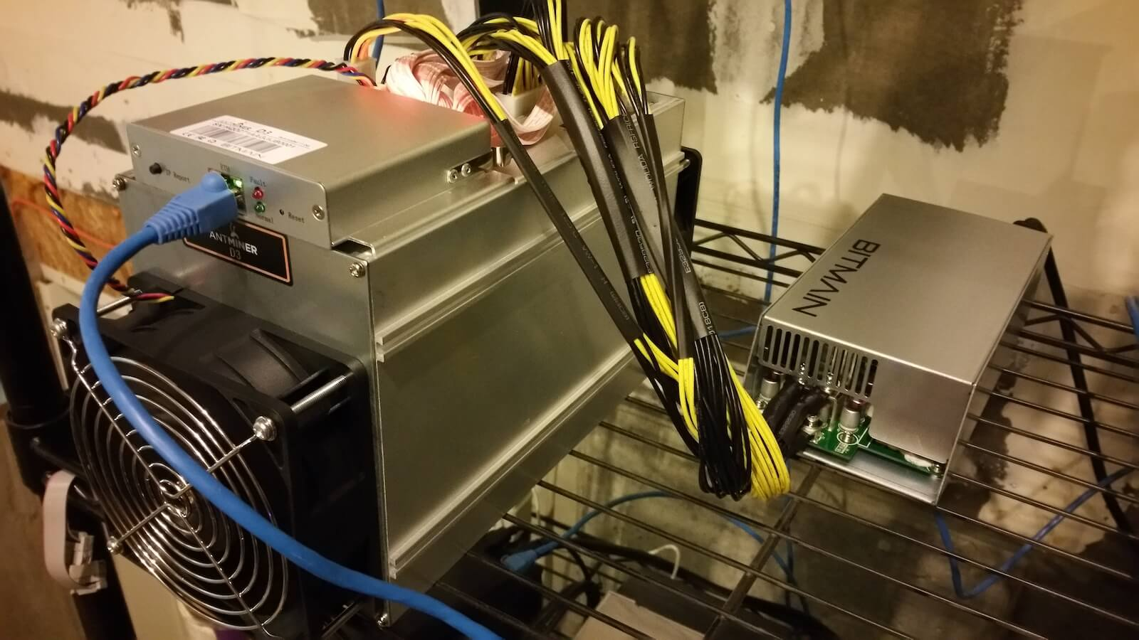 Antminer_D3_4