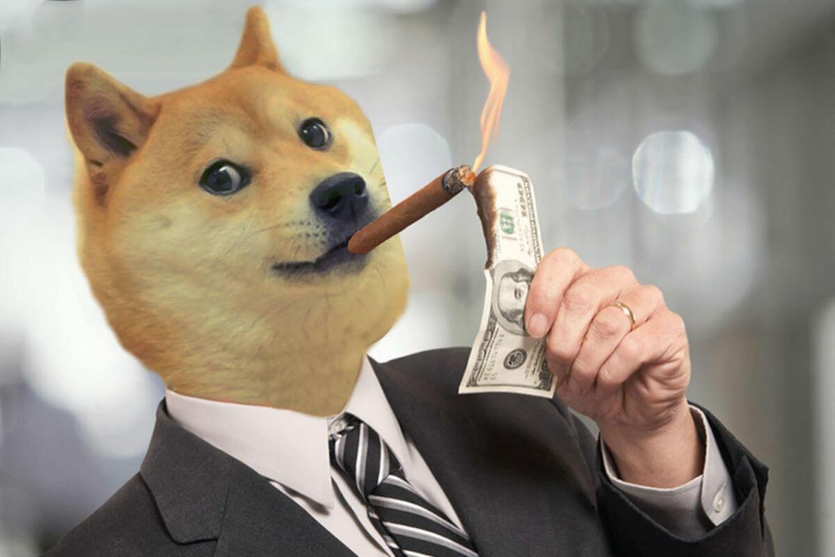 Dogecoin мем сигара курит собака
