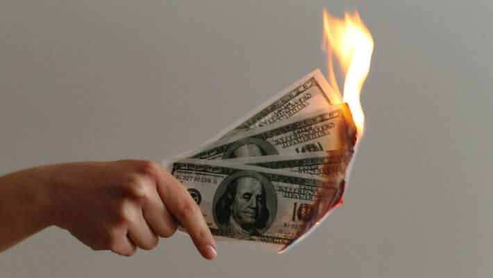 Доллары горят