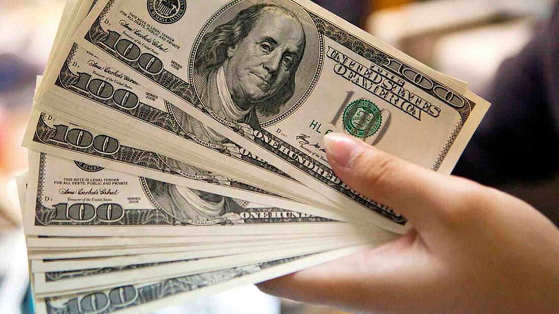 Доллары банкноты деньги