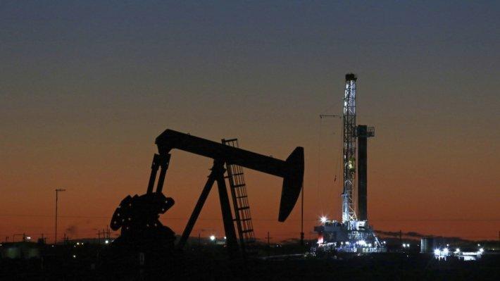 Нефть добыча баррель
