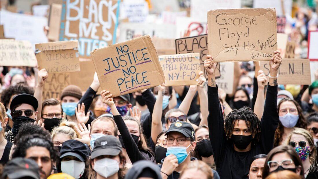протестующие США криптовалюта