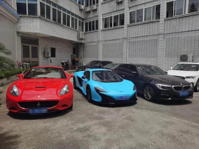 машины Ferrari суперкар