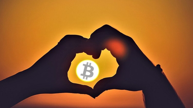 любовь Биткоин блокчейн