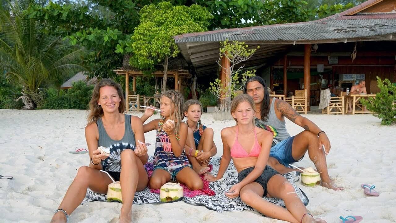 семья пляж фото селфи