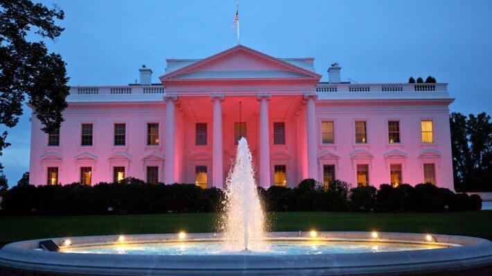 Администрация президента США готовится выпустить новые правила регулирования криптовалют. Чем это грозит?